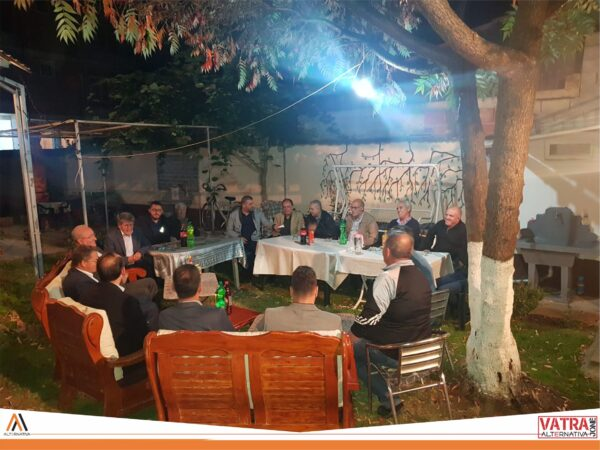 """"""" Vatra jonë"""" e Alternativës sonte realizoi takime me banorët e dy degëve më të fuqishme të saj në Çair dhe Tetovë"""