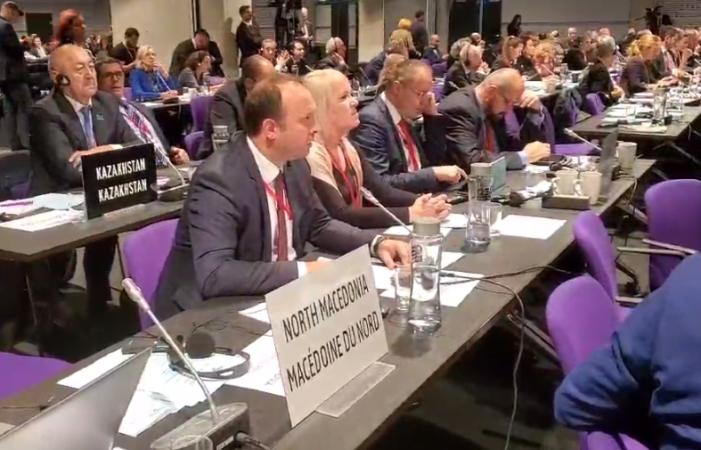 (VIDEO)+Afrim Gashi i drejtohet Ansamblesë së NATO-s – i drejtohet edhe Jens Stoltenberg-ut