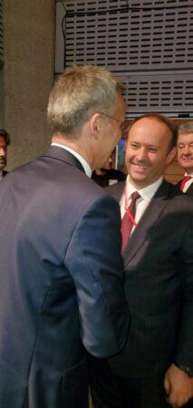 Afrim Gashi takohet me Sekretarin e Përgjithshëm të NATO-s, Jens Stoltenberg