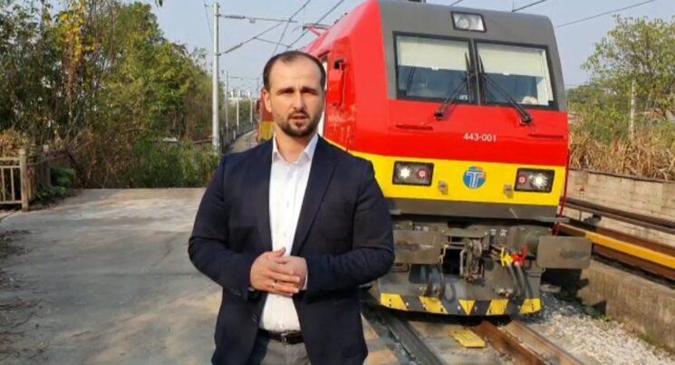 Drejtori i hekurudhës, Orhan Murtezani, nga Kina paralajmëron lokomotiva të reja