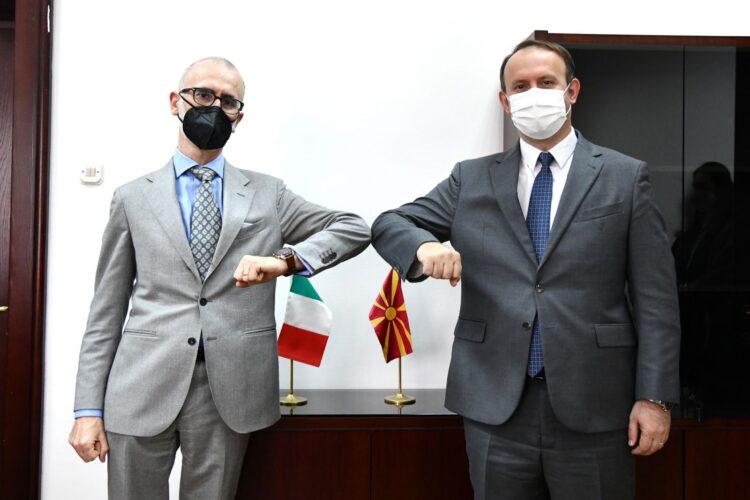 Kryetari i Alternativës, Afrim Gashi, u takua me Ambasadorin italian në Shkup, z. Andrea Silvestri