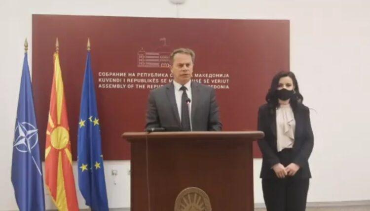 Koalicioni Aleanca për Shqiptarët & AlternAtivA: Një qeveri që i lë qytetarët pa vaksina duhet të ikë