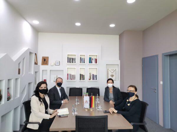 Kryetari i AlternAtivA-s, Afrim Gashi, u takua me Ambasadoren Gjermane në Shkup, znj. Anke Holstein