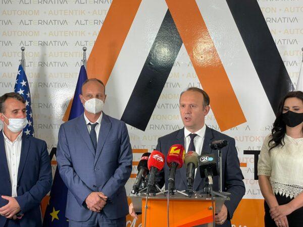 Kryetari i Alternativës, Afrim Gashi, e priti në takim Ambasadorin Francez të vendit, z. Siril Bomgartner